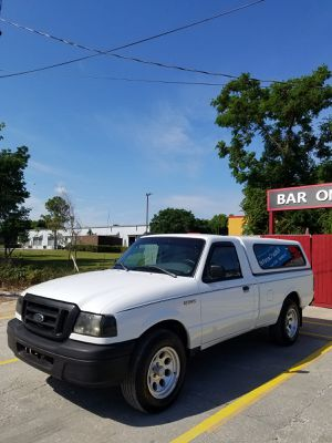 2005 Ford Ranger XL Automatic Long Bed V6 4.0L tow package CLEAN TITLE Florida truck SUPER CLEAN for Sale in Orlando, FL