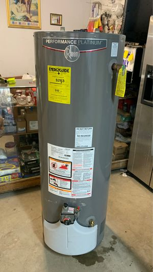 Nice used gas water heater 40 galon 2 month warranty cahs only 507 Ming Ave my address for Sale in Bakersfield, CA