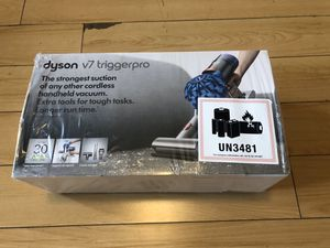 Dyson v7 Trigger Pro Cord-free Handheld Vacuum NEW / Sealed for Sale in Los Angeles, CA