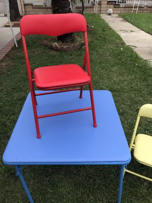 New table and chairs for Sale in El Monte, CA