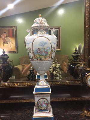 Antique porcelain urn, vase. Limoges. for Sale in Miami, FL