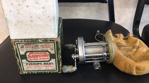 Fishing reel for Sale in Queens, NY