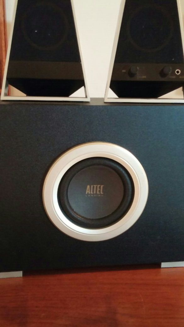 Altec Lansing subwoofer with 2 computer speakers