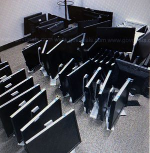 63 pieces of of computer monitors for Sale in San Antonio, TX