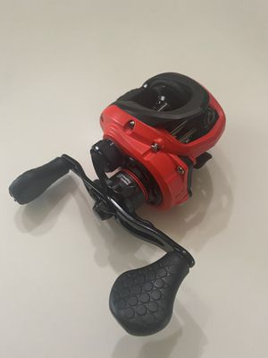 Lew's Mach Smash baitcaster fishing reel MHS1SH for Sale in Arcadia, TX