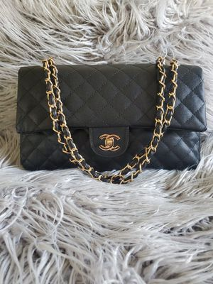Chanel Classic Maxi Double Flap Caviar -Large for Sale in Diamond Bar, CA