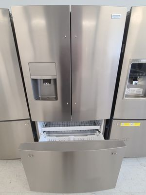 Frigidaire stainless steel French door refrigerator new with 6month's warranty for Sale in Hyattsville, MD