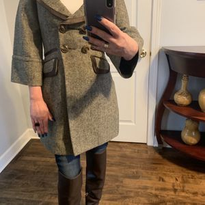 Women's Coat BCBG Size XS for Sale in Chicago, IL