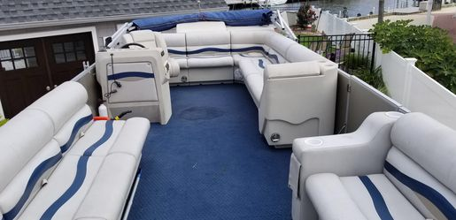 1996 Riviera Pontoon Boat- 26' for Sale in Wrightstown,  NJ