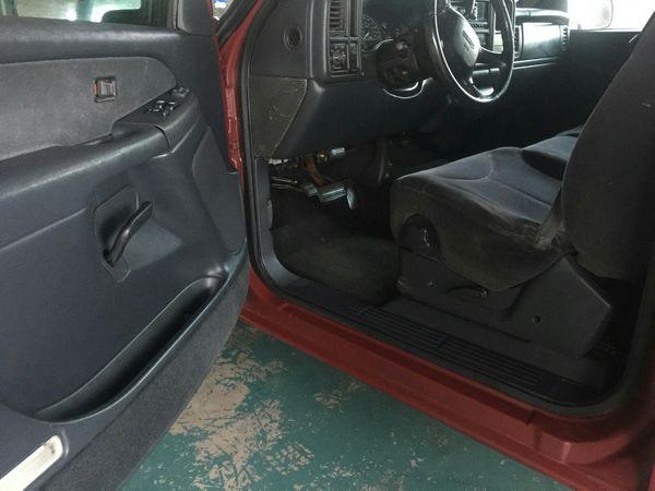 (CLEAN SHORT BED) 2000 GMC Sierra / Truck