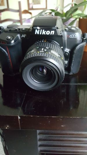 Nikon 35mm 6006 camera like new for Sale in Los Angeles, CA