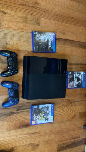 PlayStation 4 1TB, 3 games, 2 Controllers for Sale in East Meadow, NY