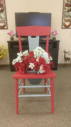 Chair planter for Sale in Lakeview, OH