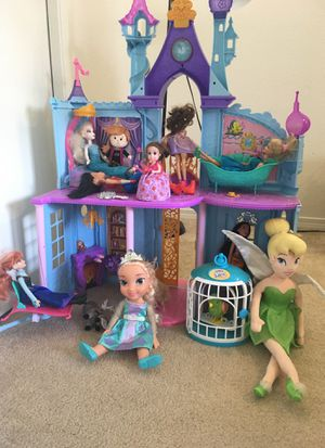 Princess doll house with dolls, parrot, other some toys and 2 board games and one puzzle $10 for Sale in Redmond, WA