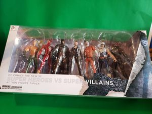 Dc Comics The New 52 Superheroes vs Supervillians for Sale in San Fernando, CA