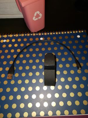 Fitbit HR with Charger for Sale in Tucson, AZ