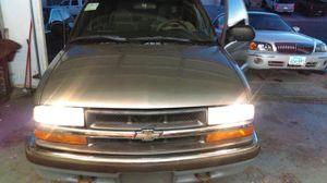 2000 chevy blazer 4 wheeldrive for Sale in Las Vegas, NV