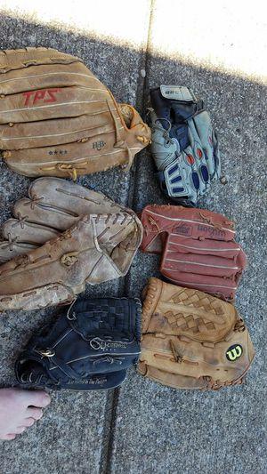 7 Baseball Gloves for Sale in White House, TN