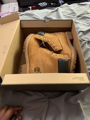 Timberlands with Box size 10 - 50$ for Sale in Seattle, WA