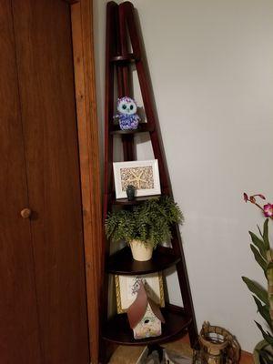 Brown corner shelf for Sale in Greeneville, TN