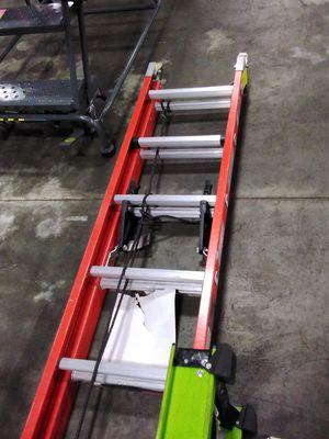 28ft Fiberglass Extension Ladder for Sale in Atlanta, GA