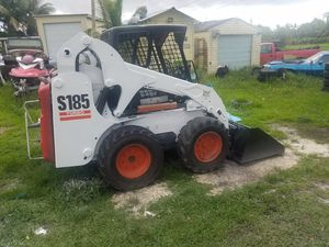 Bobcat s185 skid steer turbo ready to work for Sale in Miami Gardens, FL