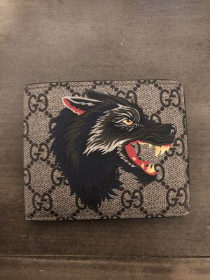 Gucci Men's Brown Wolf Print Gg Supreme Wallet for Sale in Costa Mesa, CA