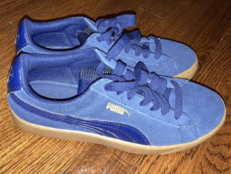 Suede Navy Blue Puma Shoes for Sale in College Park,  GA