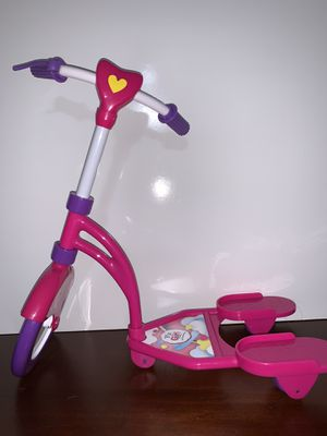 """18"""" doll scooter with knee pads for Sale in Midland, TX"""