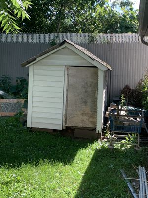 Free Dog Kennel for Sale in South Hempstead, NY