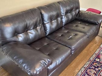 Leather Sofa-Free delivery for Sale in Acworth,  GA
