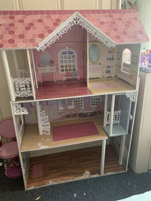 Doll house for Sale in Vallejo, CA