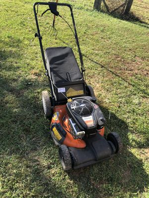 BRIGGS AND STRATTON PROFESSIONAL SELF PROPELLED MOWER for Sale in Summit Point, WV