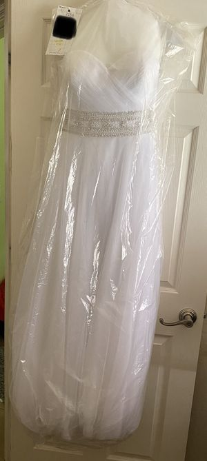 Wedding Dress - Size 8 - White for Sale in Goodyear, AZ