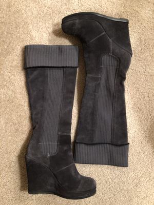 Women's knee high boots size 7.5 for Sale in Everett, WA