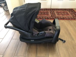 Car seat for infant for Sale in Haines City, FL