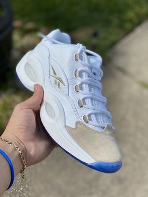 Reebok question low OATMEAL Size10.5 LIMITED for Sale in Stone Mountain, GA