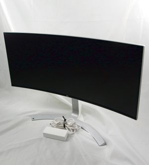 """LG 34"""" UltraWide Curved Monitor QHD 1440P IPS w/Thunderbolt & FreeSync for Sale in Portland, OR"""