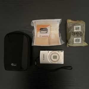 Silver Canon Powershot Digital Camera Set for Sale in Smyrna, TN