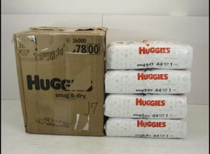 Huggies Snug & Dry Disposable Diapers Size 1 176 Count for Sale in Santa Fe Springs, CA