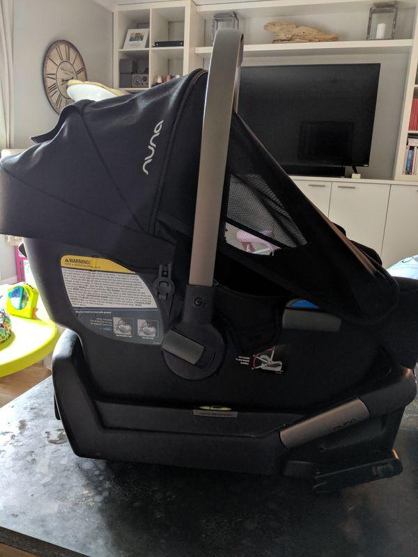 Nina Pipa car seat