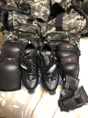 Roller Derby Skates with Pads, Helmet and Gear Bag for Sale in Lancaster, CA