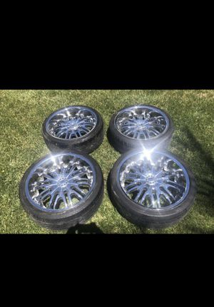 22 inch Chrome Dvinci Rims with tires for Sale in Mission Viejo, CA