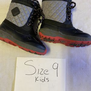 Snow Boots Size 9t for Sale in Surprise, AZ