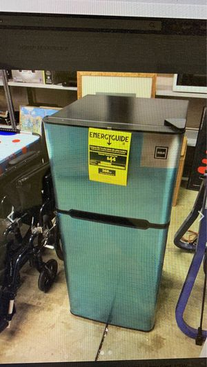 RCA 4.5 cf Stainless Steel Refrigerator/Freezer 42x19x18 for Sale in Bedford Heights, OH