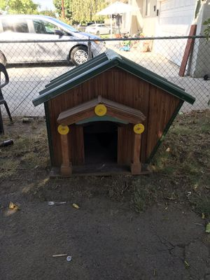 Dog house for Sale in Waterford, CA