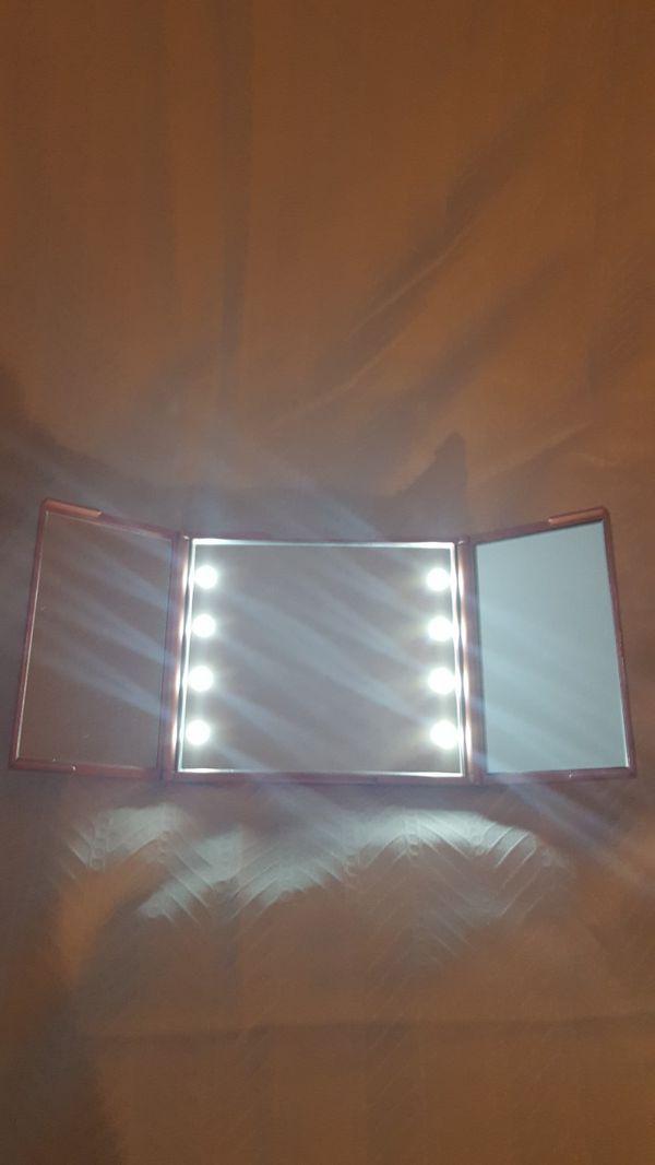 Impression Vanity Compact Mirror