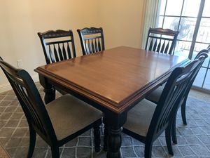 ALMOST LIKE NEW DINING SET for Sale in Fresno, CA