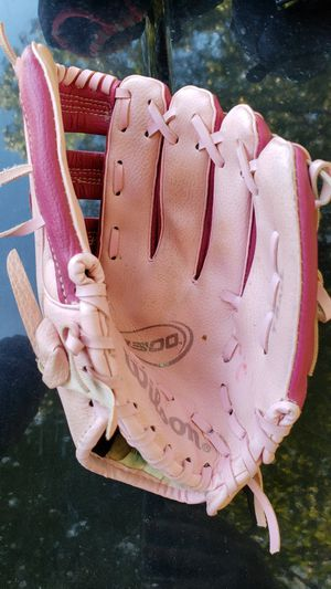 Girls T-Ball glove for Sale in Manassas, VA