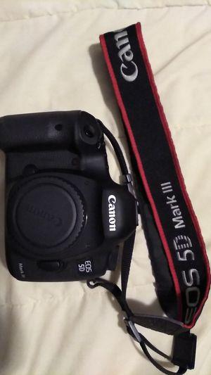 Canon EOS 5D Camera for Sale in Elk Grove Village, IL